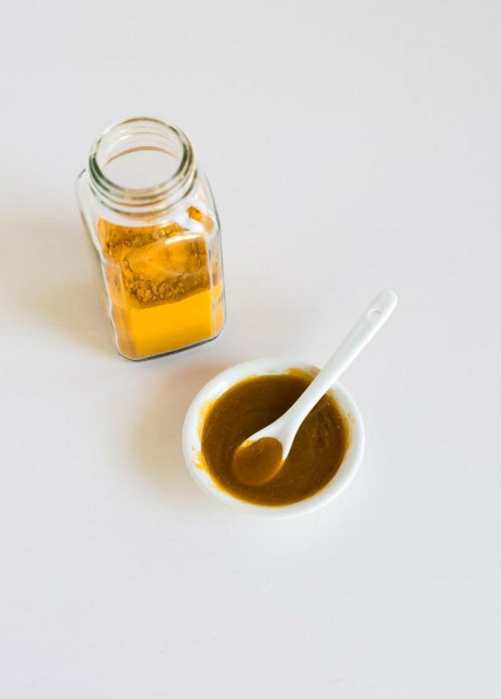 Mật ong với tác dụng trị mụn