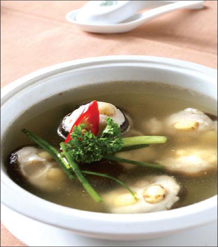 Cách nấu canh hạt sen cá thát lát nhồi nấm đông cô cực ngon