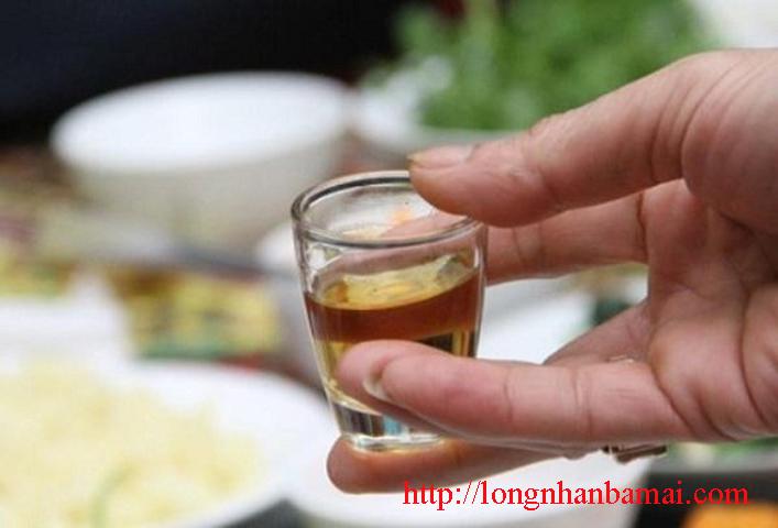 Dùng rượu sen chữa bệnh di tinh được không-1
