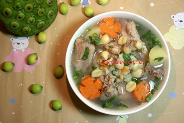 Công thức nấu canh sườn hầm hạt sen bổ dưỡng